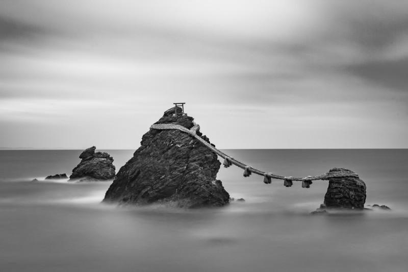 Meoto Iwa    © Alfonso Calero