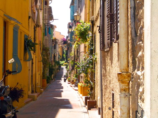 Paint The Hilltop Villages Of The French Riviera With