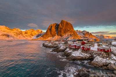 This photo was shot before the Lofoten February 2018 photo workshop. There is a new photo workshop on Lofoten in February 2019. See http://www.hanskrusephotography.com/Hans-Kruse-Photo-Workshops/Lofoten-February-2019